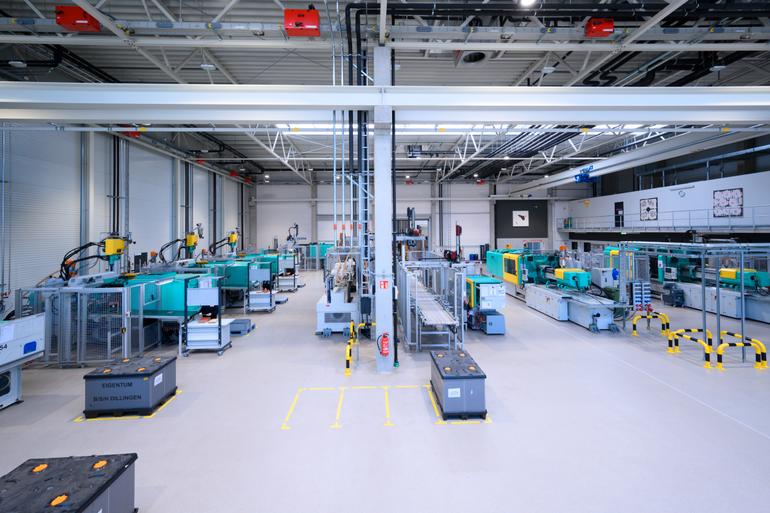 DE_Steisslingen_Veeser_Plastic_2019_Produktionshalle.png