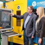 JUNKER_Industrie4.0_Am_Beispiel_einer_Werkzeugmaschine_300.jpg