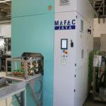 Die_kompakt_aufgebaute_MAFAC_JAVA_mit_Zweibadtechnik_ist_mit_der_neuen_MAFAC_Vektorkinematik_ausgestattet_und_sorgt_während_der_Reinigung_und_Trocknung_mit_starken_Turbulenzen_für_eine_größere_und_gleichmäßigere_Beaufschlagung_der_Bauteile.