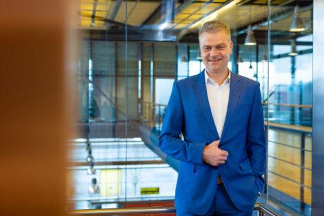 Prof._Dr.-Ing._Christian_Brecher,_Direktor_des_Werkzeugmaschinenlabors_WZL_der_RWTH_Aachen